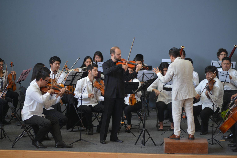 Johannes Brahms / Carlos Chávez / David Leo Diamond* David Diamond·- New York Philharmonic Orchestra, The* New York Philharmonic·, Leonard Bernstein - Symphony No. 4 In E Minor / Sinfonía India / Symphony No. 4